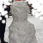 等身大の雪だるま