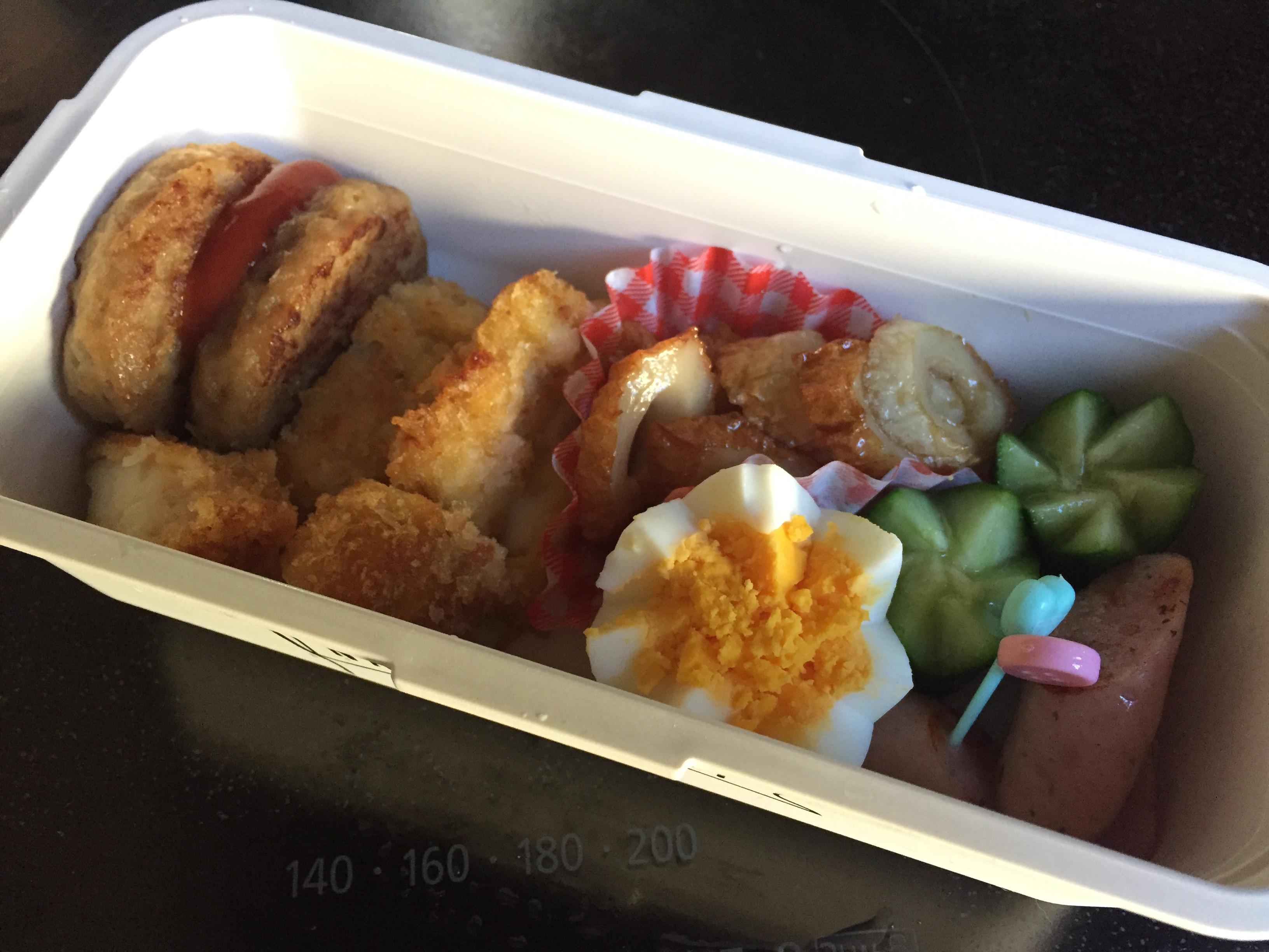 今日のお弁当と秋刀魚の蒲焼き風