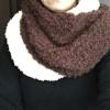 ダイソーの毛糸でスヌードを編みました