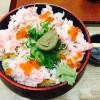 三井アウトレット竜王フードコートで新鮮蟹味噌丼
